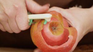 Apfel schälen - juana hubl - die frau am grill