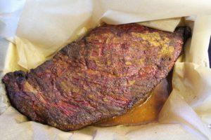 Beef Brisket mit Rinderfond dämpfen - die frau am Grill