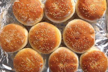 Burger-Brötchen-Rezept-die-frau-am-grill-