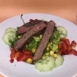 Steak-Serviervorschlag-Michael Korsikowski-Die Frau am Grill