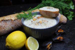 Clam Chowder-suppe-muschelsuppe-rezept-video-die frau am grill