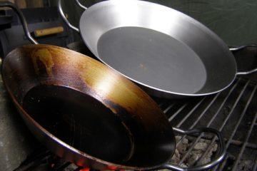 Eisenpfanne-einbrennen-eine-einfache-Anleitung-die-frau-am-grill-tipps-und-tricks-video