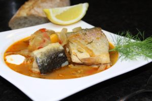 Fischsuppe im Teller