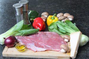Flank Steak mit Gemuese und Kaese - die frau am grill