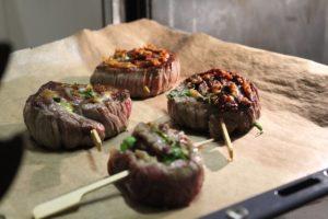 Flanksteak Pinwheels im Ofen garen - die frau am grill