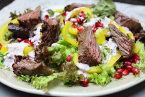 Salat mit Flap Meat Strips