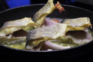 Forelle Braten-Rezept-Die Frau am Grill-in der Pfanne-web