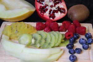 Früchte zum Krapfen füllen - die frau am grill