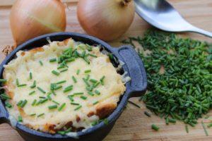 Französische Zwiebelsuppe-Beitragsbild-Die frau am grill-web