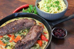 Gebratener Rehrücken mit Pak Choi Gemüse und Spätzle - die frau am grill