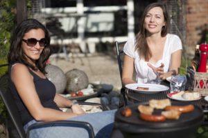 Grillen im Garten-Beitragsbild-fotolia-web