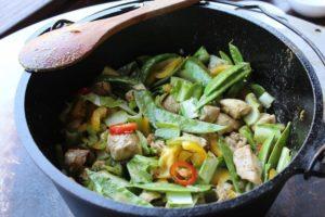 Hähnchen Curry Gemüse - die frau am grill