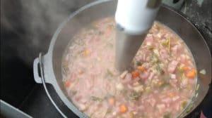 Kartoffelsuppe pürieren - die frau am grill