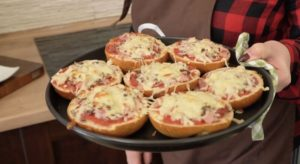 Pizzabrötchen-Beitragsbild-juana hubl-die frau am grill-web