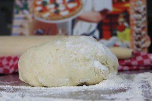 Pizzateig machen - rezept - die frau am grill