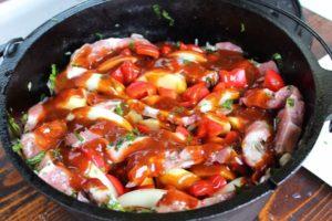 Schichtfleisch Rezept im dutch Oven-Die Frau am Grill