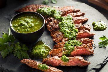Steak-Beitragsbild-die frau am grill-deposit