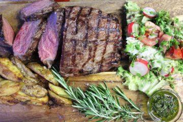 Tafelspitz grillen-Beitragsbild-die frau am grill-web