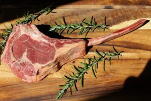 Tomahawk Steak roh dry aged-web
