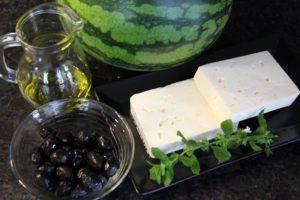 Zutaten für den Melone Feta Salat