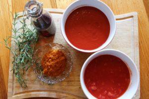 Zutaten für die Soße bei gefüllte Zucchini