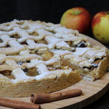 apfelkuchen mit gitter - die frau am grill