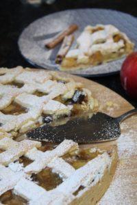 apfelkuchen mit gitter kochkant - die frau am grill