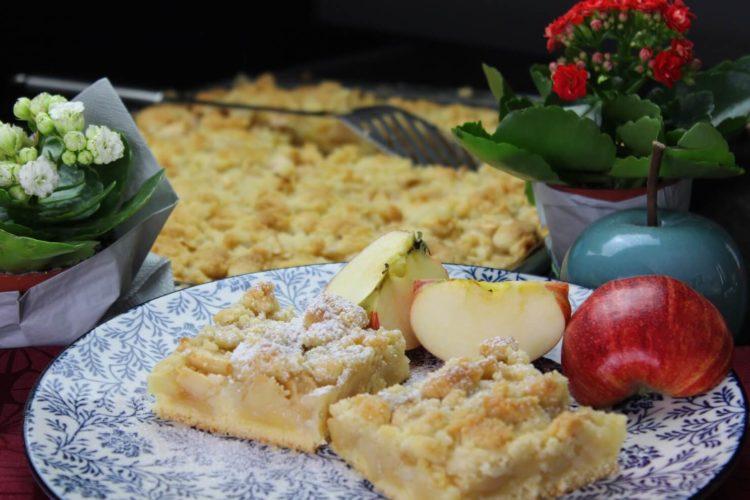 apfelkuchen vom blech rezept - die frau am grill