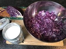 blaukrautsalat wuerzen - die frau am grill