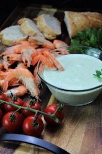 fetacreme mit crevetten und baguette - die frau am grill