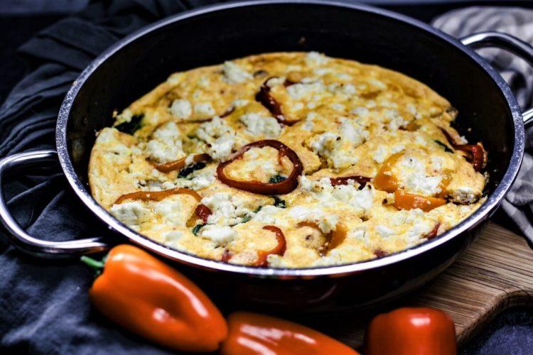 gemuese frittata mit paprika - italienisches omlett
