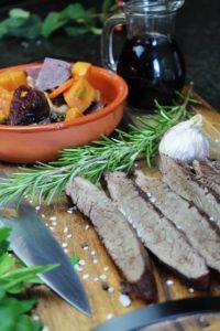 geschmortes flank steak hochkant - die frau am grill