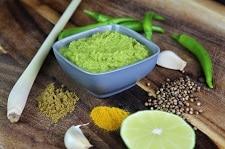 gruene currypaste selber machen - die frau am grill