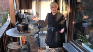 haeussler pelletgrill mit dutch oven - die frau am grill