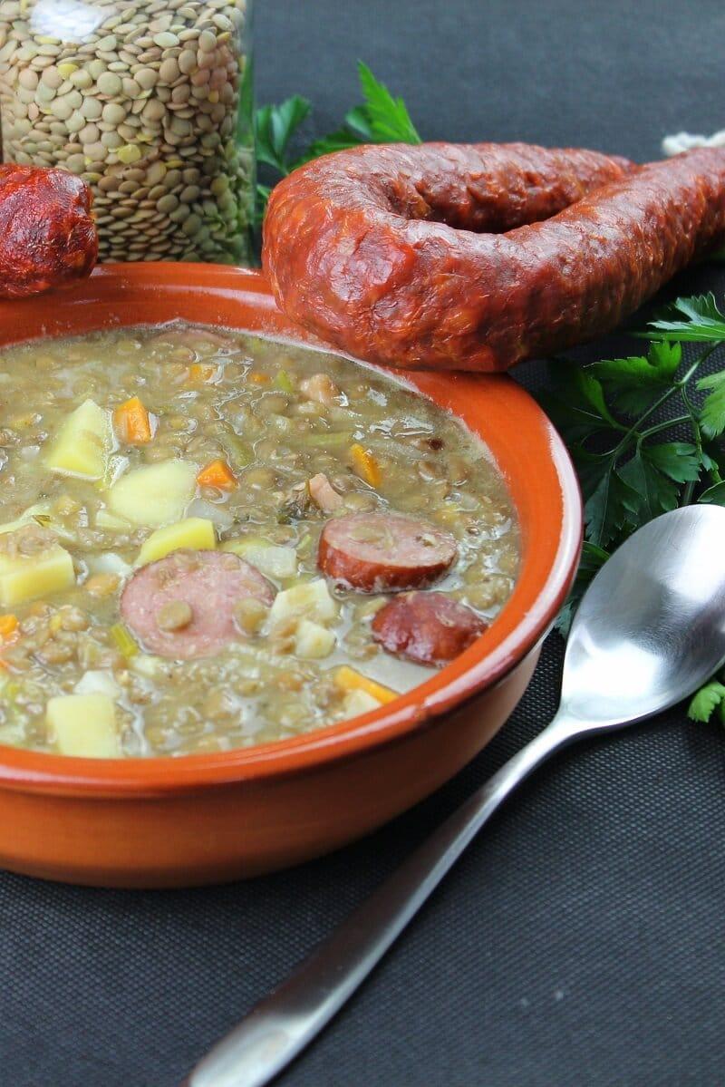suppe mit linsen und cabanossi  rezept hochkant - die frau am grill