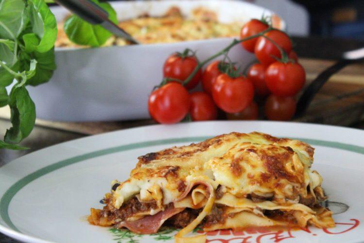 pizza lasagne rezept - friss dich dumm lasagne - die frau am grill