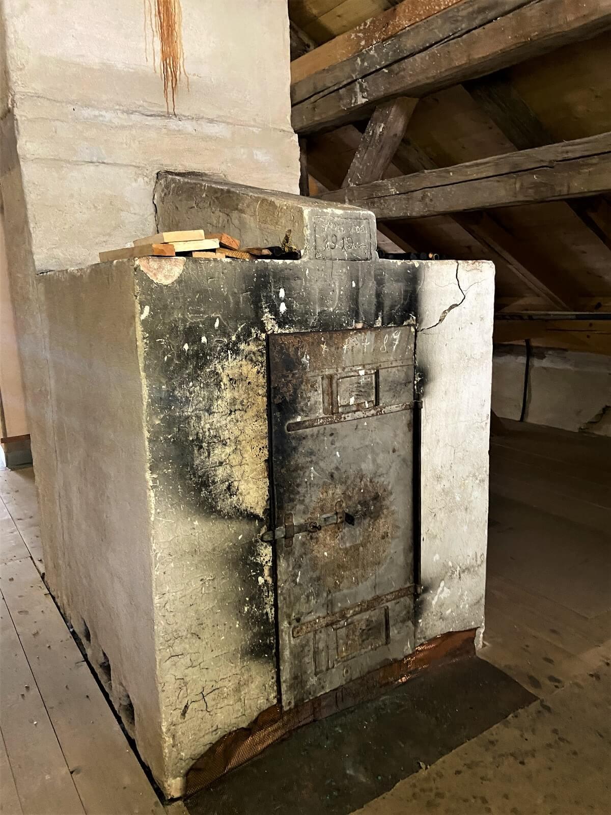 raeucherkammer im dachgeschoss vom pfarrhaus kemnathen